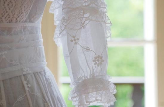 Secesní šaty od Blanky Lachmanové. Jako by tu čekaly naMarii Sovovou